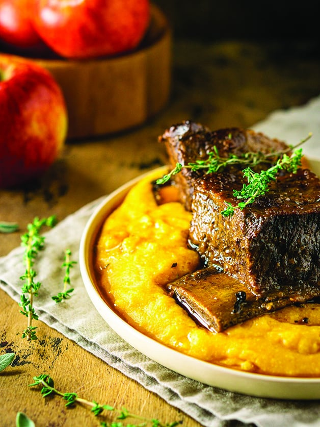 Short ribs on apumpkin mash and some apples at the back.